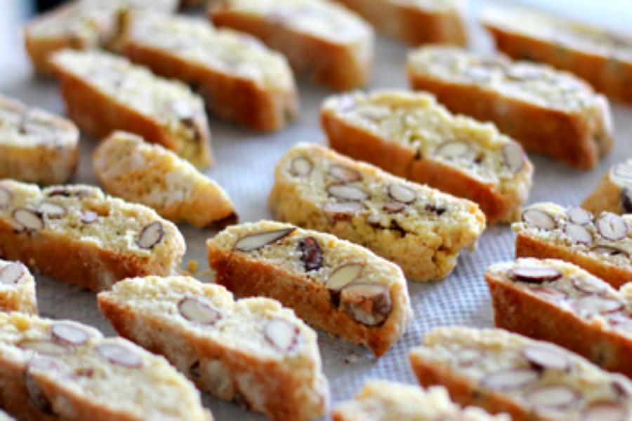 Μπισκότα με αμύγδαλα